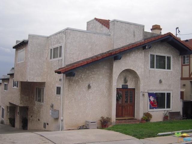 1707 CLARK Lane 3, Redondo Beach, California 90278, 2 Bedrooms Bedrooms, ,1 BathroomBathrooms,For Rent,CLARK,17193428PS