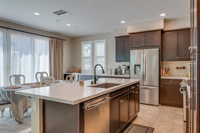 Upgraded Kitchen, Gorgeous quartz counters!