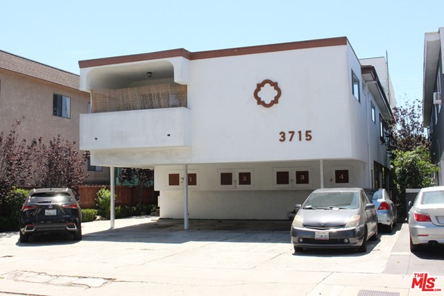 Completely refurbished with granite counters, hardwood laminate floors, new fixtures and a balcony.  Here is a beautiful front-end second story unit that includes two bathrooms, great social area and open kitchen. Two tandem parking spaces, laundry room on the premises and a backyard.  Take advantage of reduced rents and $500 move-in credit during 2nd month! (Commissions to broker paid only on initial term of lease)