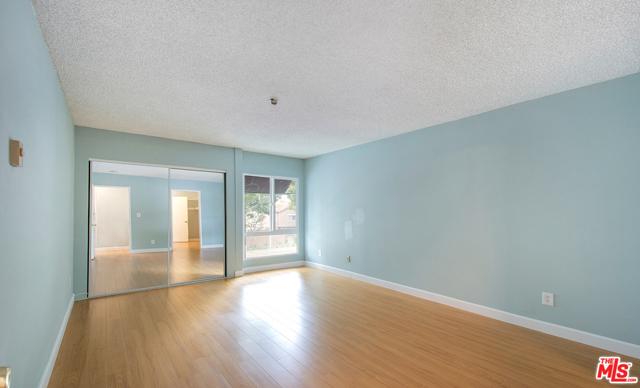 16. 4900 Overland Avenue #307 Culver City, CA 90230