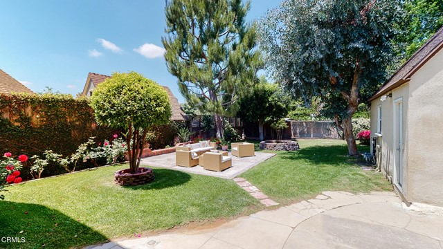 42. 3223 Grandeur Avenue Altadena, CA 91001