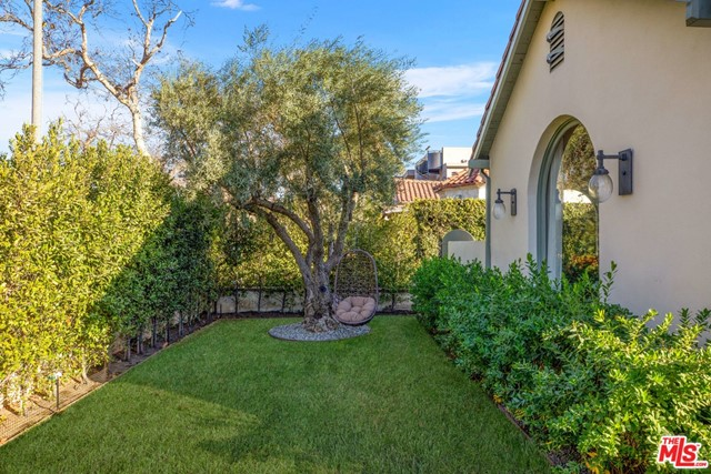 Image 4 of 6438 Drexel Ave, Los Angeles, CA 90048