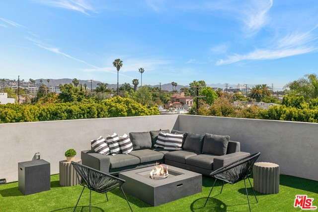 45. 716 N Fuller Avenue Los Angeles, CA 90046