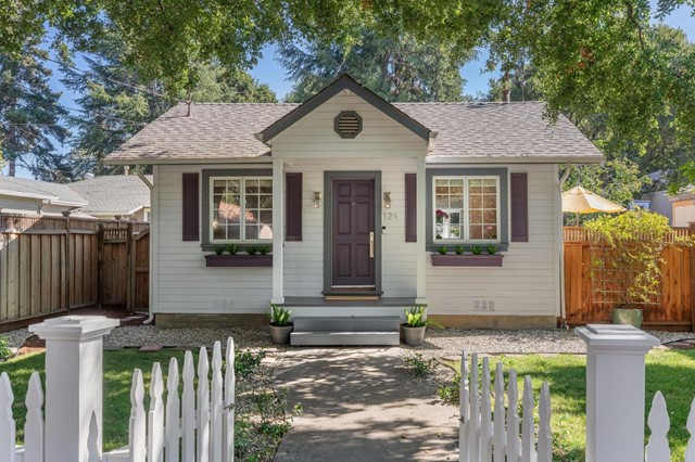 2. 124 Oak Court Menlo Park, CA 94025
