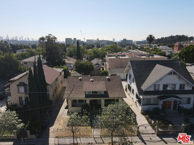 4612 Franklin Ave, Los Angeles, CA 90027