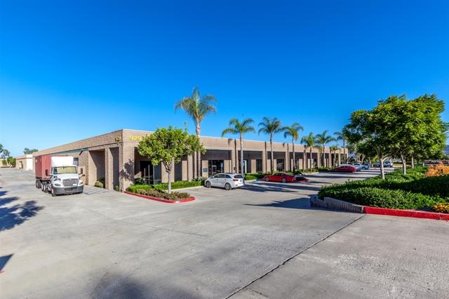 929 Poinsettia Ave, Vista, CA 92081