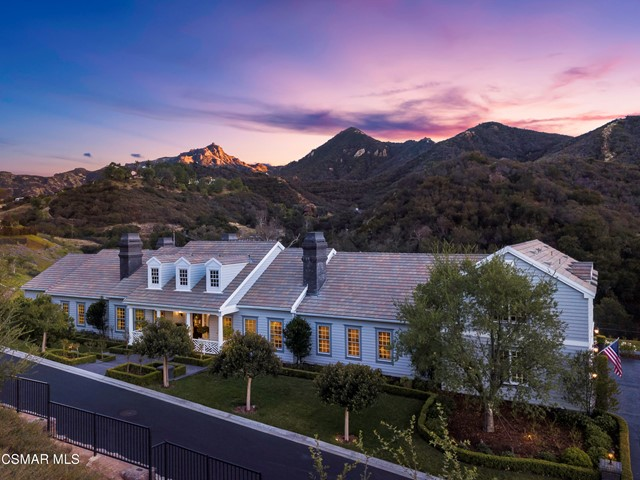 Photo of 702 Williamsburg Court, Thousand Oaks, CA 91361