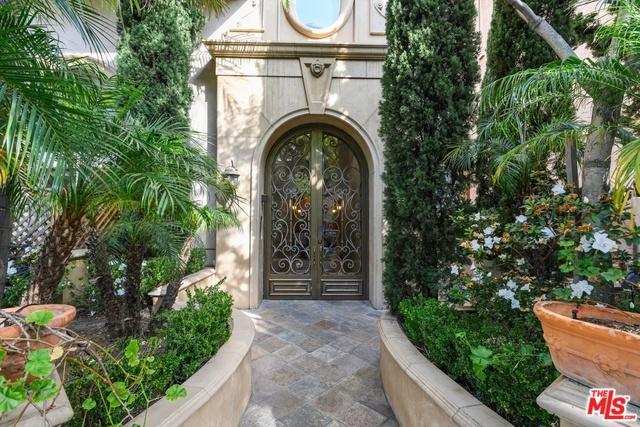 1610 CAMDEN Avenue 302, Los Angeles, CA 90025
