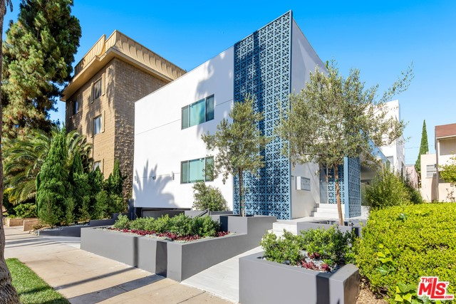 153 S PALM Drive 5, Beverly Hills, CA 90212