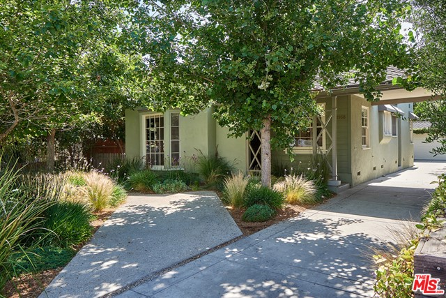 1968 S Sherbourne Drive Los Angeles, CA 90034