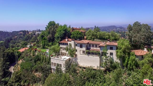 2670 Bowmont Drive, Beverly Hills, CA 90210
