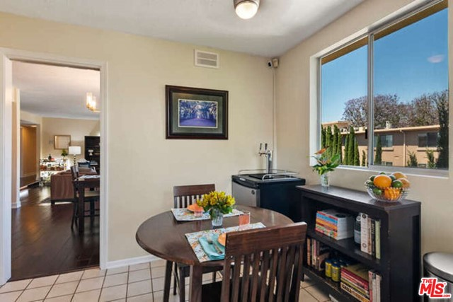 18. 14106 Dickens Street #301 Sherman Oaks, CA 91423