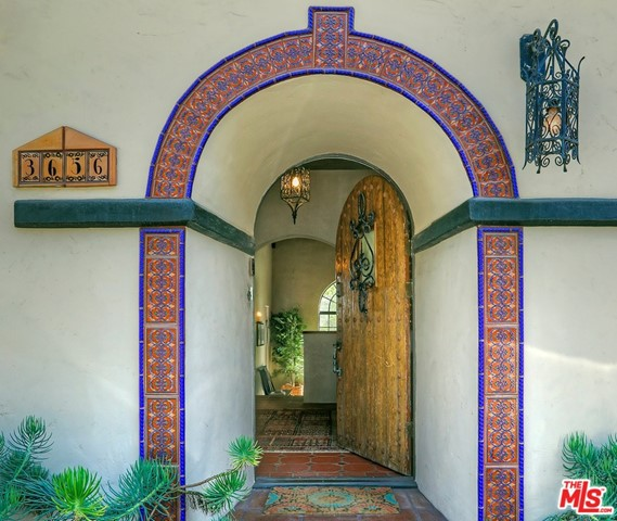 3656 LOWRY Road, Los Angeles, CA 90027