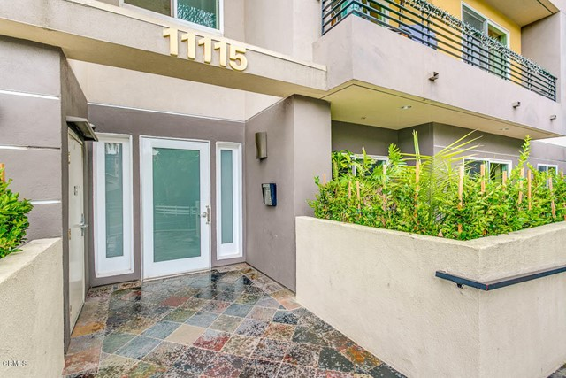 11115 Acama Street 105, Studio City, CA 91602
