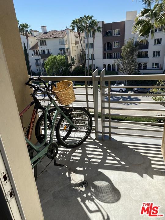 5831 Seawalk Drive, Playa Vista, CA 90049 Photo 19