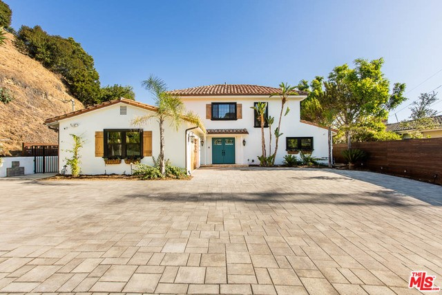 11039 WRIGHTWOOD Place, Studio City, CA 91604