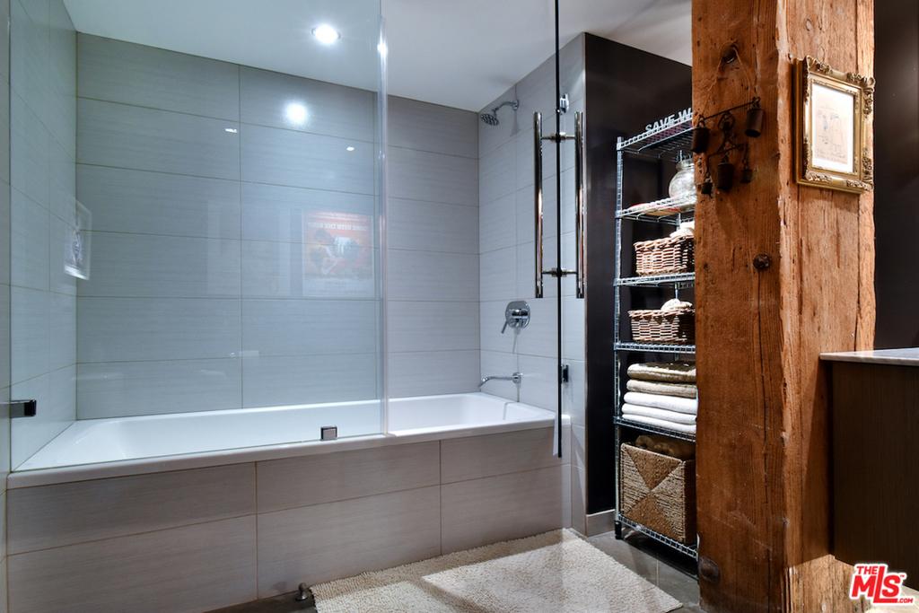 ...Wi Gla Shower Enclosure