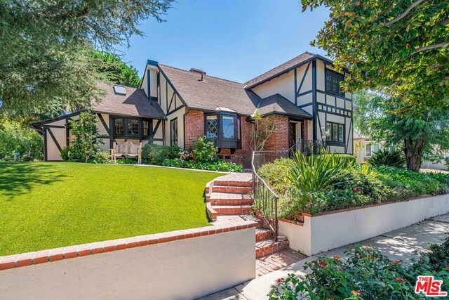 2001 FOX HILLS Drive, Los Angeles, CA 90025