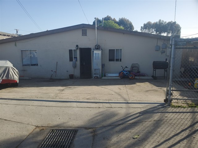 3218 Newton, San Diego, CA 92113