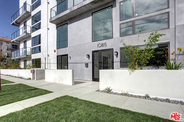 Brand new high-end condo quality apartment building in a great Westwood, Century City adjacent neighborhood. These Units feature designer laminate flooring, custom wood cabinets, quartz-stone Kitchen & Bathroom counter tops, tile Kitchen back splashes, Frigidaire stainless steel Dishwasher & Fridge. Each Unit comes with a Whirpool stackable washer & dryer, huge custom walk-in closets, deep bathtubs & glass enclosed showers. Master bathrooms have His & Her sink. These units have large private balconies, high ceilings and beautiful 8 ft tall windows giving these units wonderful natural light. The building has a rooftop lounge with spectacular city views. Photos are representational of a similar unit.
