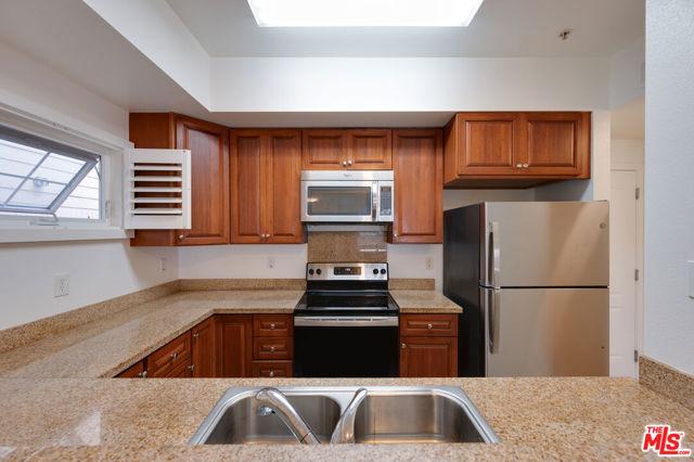 17. 1388 S Almaden Avenue San Jose, CA 95110