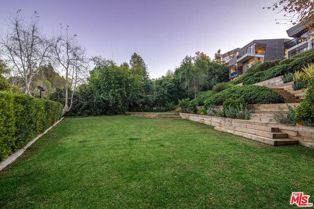 Image 24 of 314 N Barrington Ave, Los Angeles, CA 90049