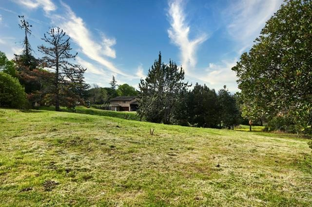 13051 La Paloma Road, Los Altos Hills, CA 94022