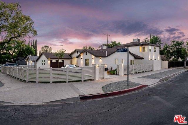 17501 Arminta Street Northridge, CA 91325