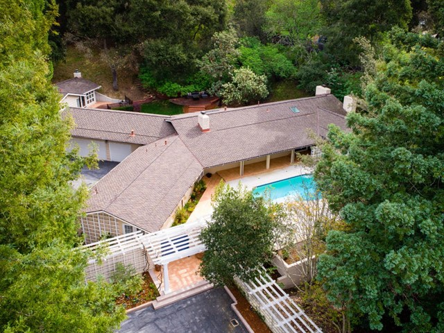 286 Willowbrook Drive, Portola Valley, CA 94028