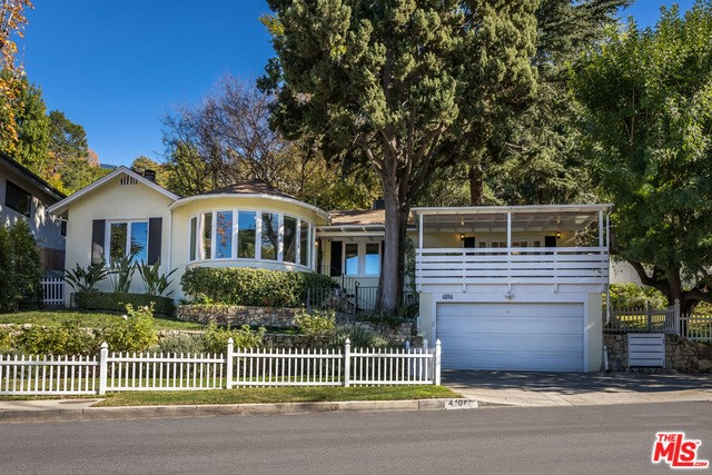 4104 SAUGUS Avenue, Sherman Oaks, CA 91403
