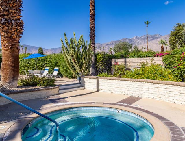 42. 2376 Oakcrest Drive Palm Springs, CA 92264