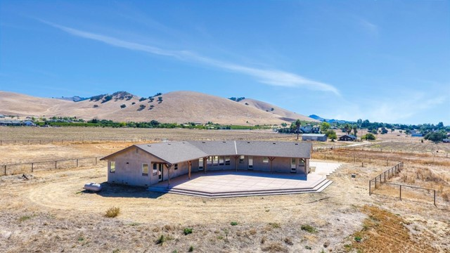 1410 Spring Grove Road, Hollister, CA 95023