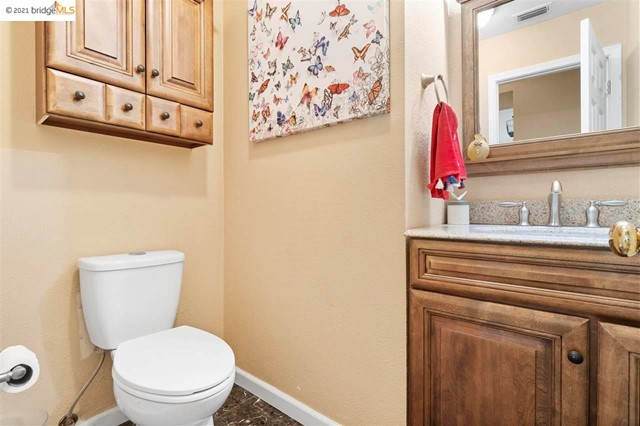 19. 619 Edenderry Dr Vacaville, CA 95688