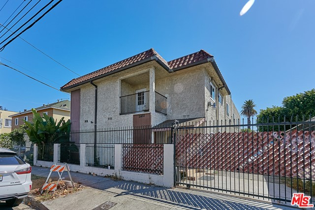 2422 Venice Boulevard, Los Angeles, California 90019, ,Residential,For Rent,Venice,21684856