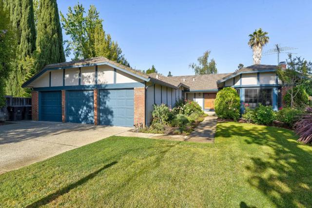 277 Apricot Lane, Mountain View, CA 94040