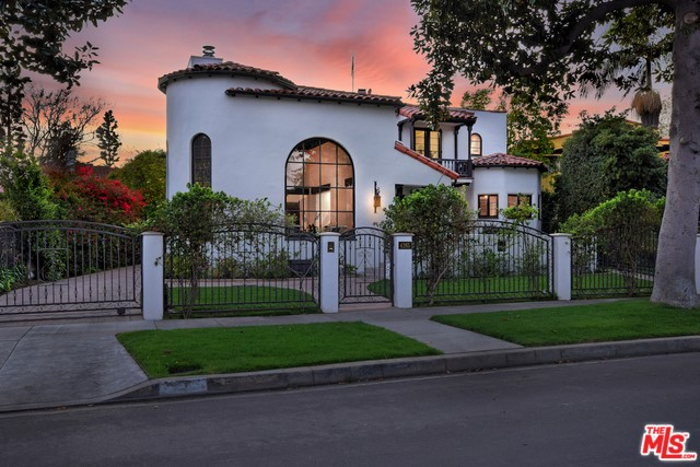 4265 CLYBOURN Avenue, Toluca Lake, CA 91602