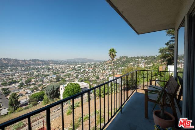 528 VISTA GLORIOSA Drive, Los Angeles, CA 90065