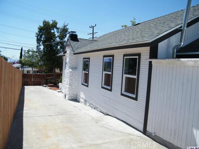 9. 10600 Mountair Avenue Tujunga, CA 91042