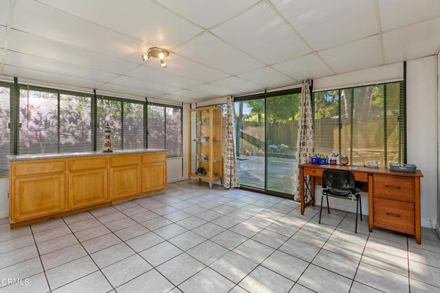 8. 923 Spruce Lane Pasadena, CA 91103