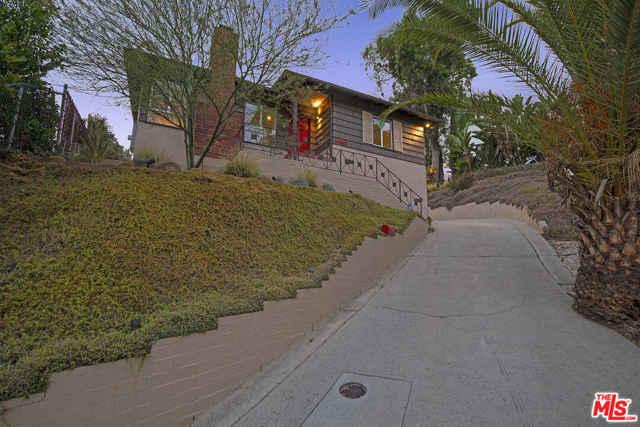 42. 4317 Zaca Place Los Angeles, CA 90065
