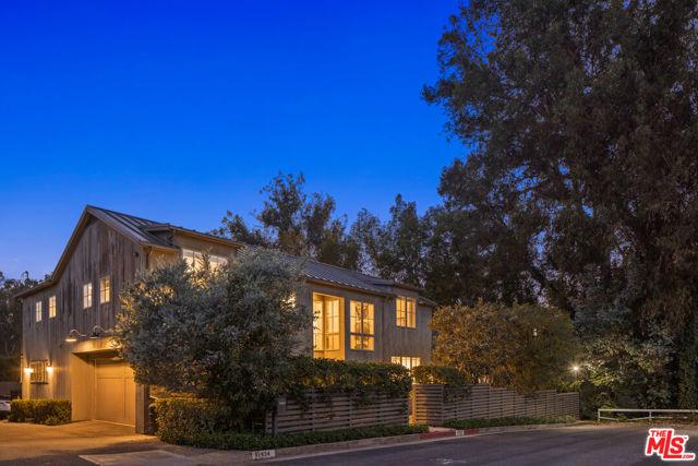 11938 Currituck Drive, Los Angeles, CA 90049