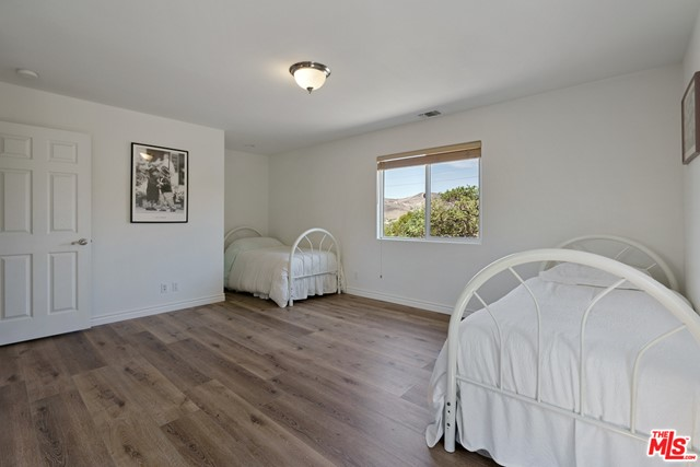 21. 3110 Foothill Drive Thousand Oaks, CA 91361