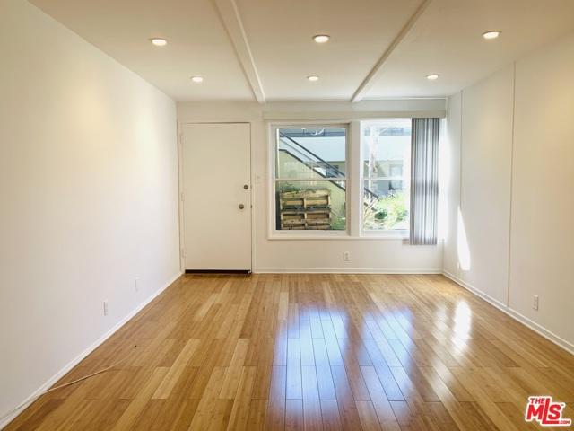 154 Monterey, South Pasadena, California 91030, 1 Bedroom Bedrooms, ,1 BathroomBathrooms,Apartment,For Lease,Monterey,21716534