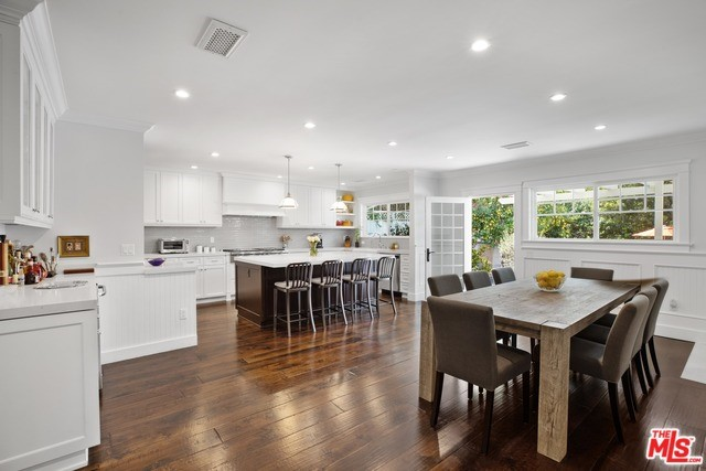 14090 GREENLEAF Street, Sherman Oaks, CA 91423