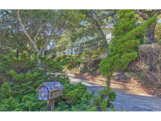 4 Forest Knoll, Monterey, CA 93940