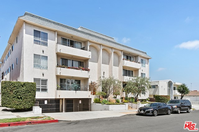 1424 Amherst Avenue Los Angeles, CA 90025
