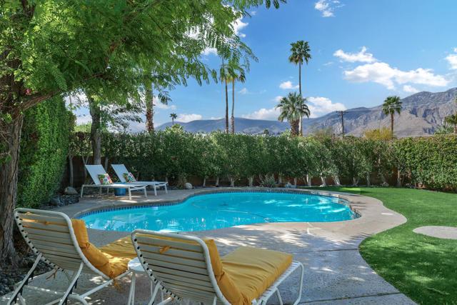 2110 E Desert Palms Dr, Palm Springs, CA 92262