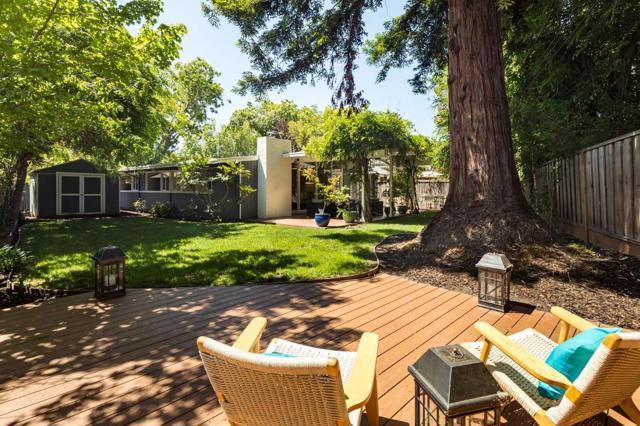 19. 1074 Moffett Circle Palo Alto, CA 94303