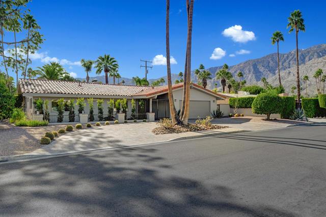 1621 Calle Marcus, Palm Springs, CA 92264