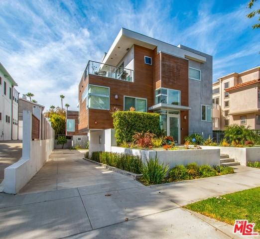 717 BROADWAY B, Redondo Beach, California 90277, 4 Bedrooms Bedrooms, ,5 BathroomsBathrooms,For Rent,BROADWAY,20544752